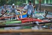 Typhoon Nock-Ten kills 6, spoils Christmas festivities in Philippines