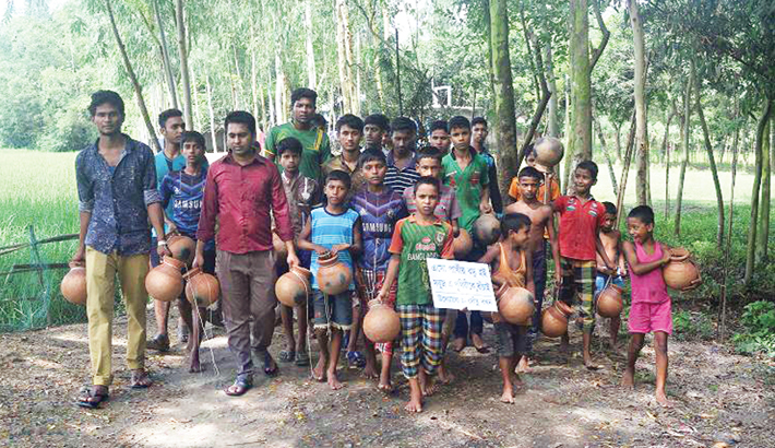 Nilphamari youths befriend birds to save mother earth