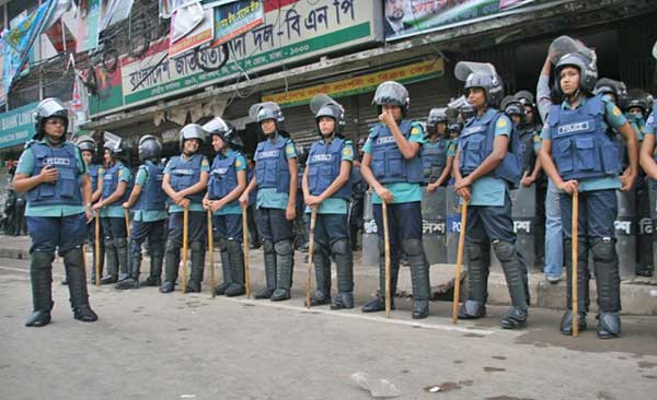 Police cordon-off BNP Nayapaltan office