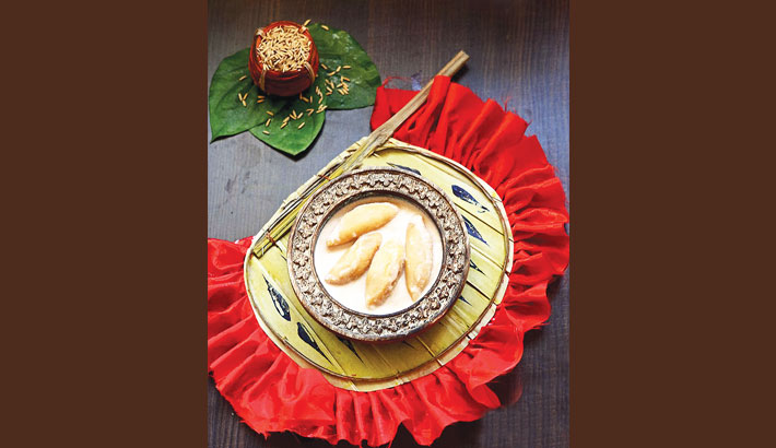 Appetising Dudh Puli (Coconut Stuffed Rice Dumpling)