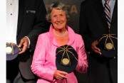 Heyhoe Flint, 1st global star of women's cricket, dies at 77