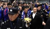 Top-earning footballer Tevez arrives in Shanghai