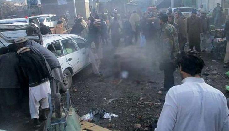 Pakistan market bomb kills 20
