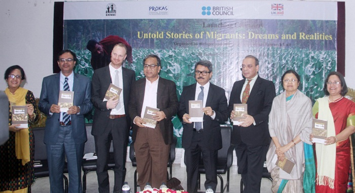 100,000 Bangladeshi workers will get smart cards in Malaysia: Shahriar