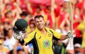 Warner smashes ton as Australia dominate Pakistan bowling