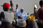 Gambian President Barrow receives warm welcome following post-election crisis