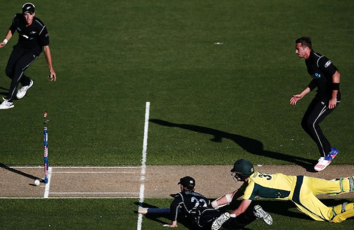 New Zealand beat Australia by 6 runs in 1st ODI