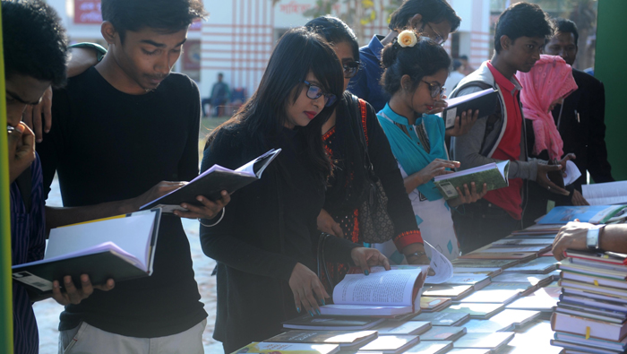 Book fair attracts large number of visitors on day two