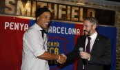Ronaldinho returns for 10-year Barcelona ambassador deal
