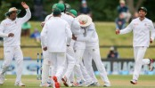 Taskin gives Bangladesh early breakthrough