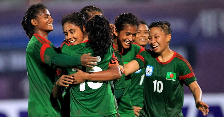 Women footballers to play in Singapore