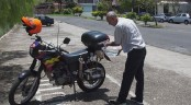 This motorbike travels 500 km on a liter of water!
