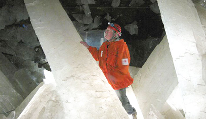 Crystal caves hold long-dormant life