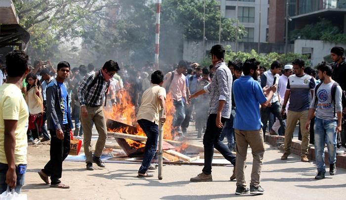 Miscreants wreak mayhem at Bashundhara Residential Area