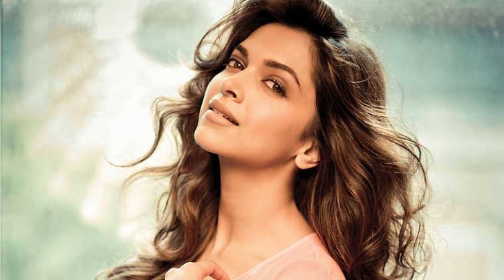 Deepika doesn't look Hollywood and Bollywood as separate careers