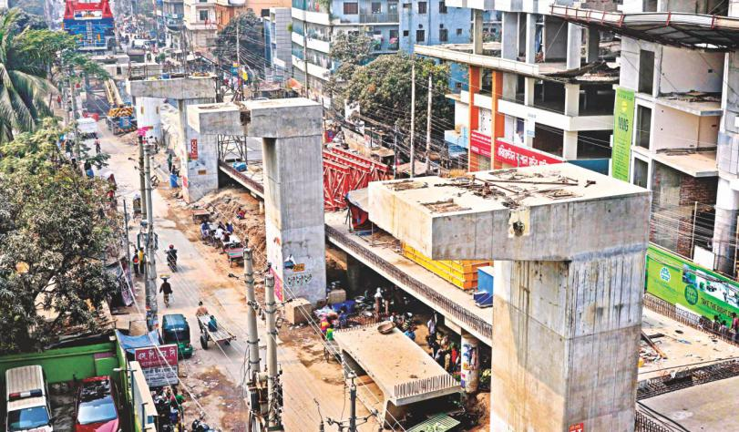 Flyover girder collapse kills 1, injures 2 at Malibagh