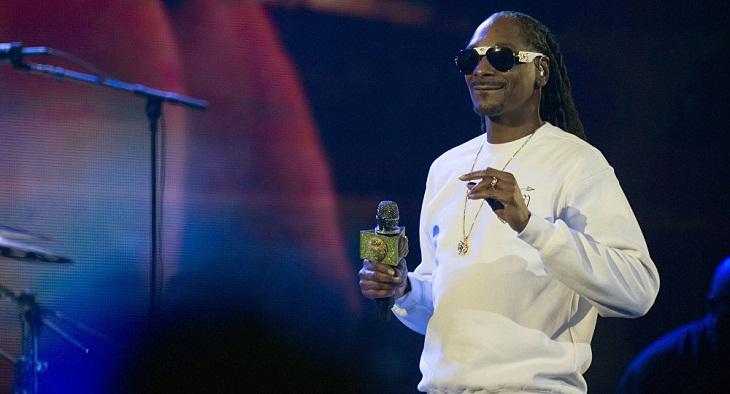 Snoop Dogg 'shoots' Trump in music video