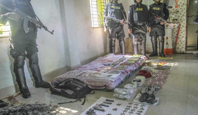 Two 'militant dens' busted in Chittagong, 2 held