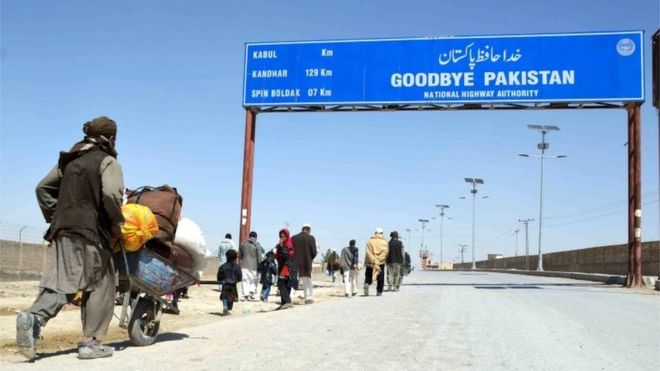 Pakistan PM orders Afghan border crossings to reopen