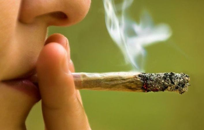 Smoking pot raises risk of stroke, heart failure