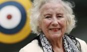 British singer Lynn turns 100