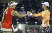Mattek-Sands upsets Svitolina at Miami Open; Safarova wins
