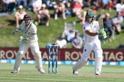 South Africa 243-7 at lunch on day 2, 3rd test vs. New Zealand