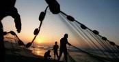 Pakistan arrests 100 Indian fishermen