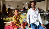 'Scared' father of Bangladesh 'tree girl' ends treatment