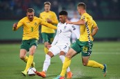 Jermaine Defoe scores on return as England beat Lithuania 2-0