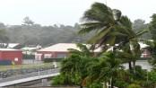 Cyclone Debbie: 'Monster' storm reaches Australian islands