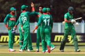 Bangladesh restrict Pakistan to 233/8
