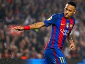 Barcelona thumps Granada 4-1, Neymar scores 100th goal