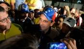 Venezuela bans key opposition leader in tense crisis