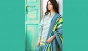 Look Traditional In 'Khadi'