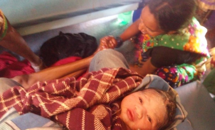 MBBS student helps deliver baby on train with instructions from seniors through WhatsApp