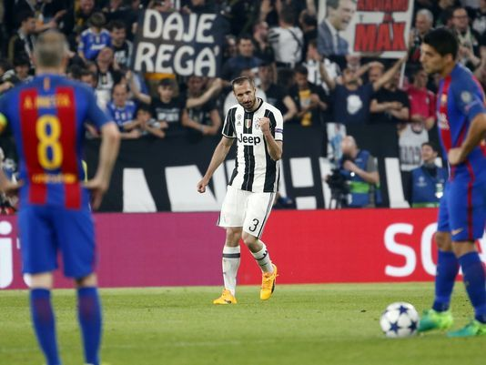 Dybala nets 2 as Juventus beats Barcelona 3-0 in Champions League