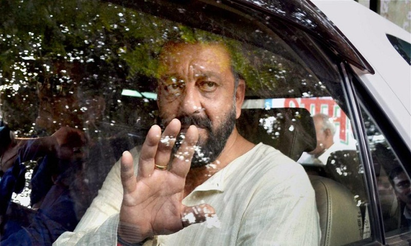 Arrest warrant for Sanjay Dutt for failing to appear in Mumbai court