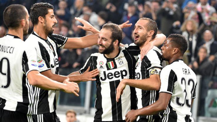 Higuain fires Juve towards scudetto, Napoli close on Roma