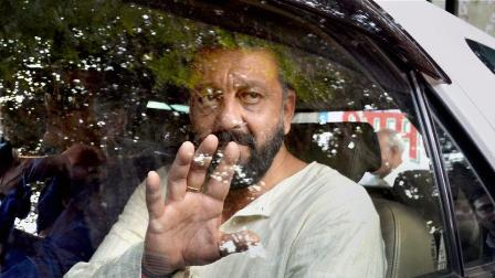 Arrest warrant against Sanjay Dutt for failing to appear in Mumbai court