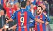 Messi keeps Barca alive ahead of El Clasico