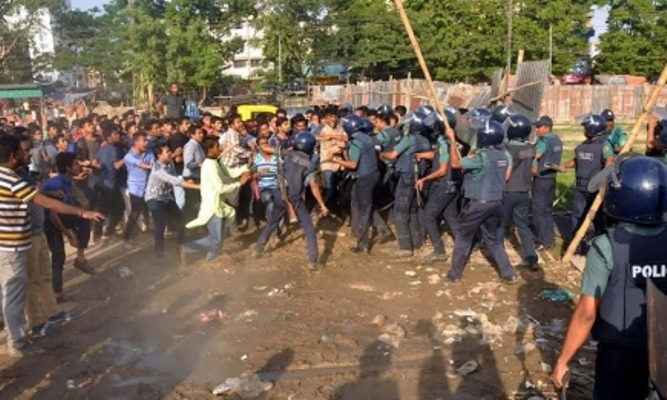 15 injured as BCL activists clash with police in port city