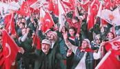 Erdogan wins Turkey referendum as rivals urge recount