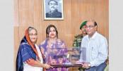 PM gets replica of Bangabandhu Satellite