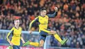 Sanchez, Ozil strike to end Arsenal away woes
