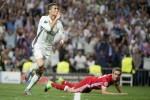 Cristiano Ronaldo hits hat-trick as Real Madrid down 10-man Bayern Munich