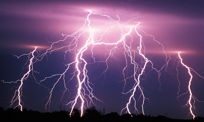 6 killed in lightning in 4 districts