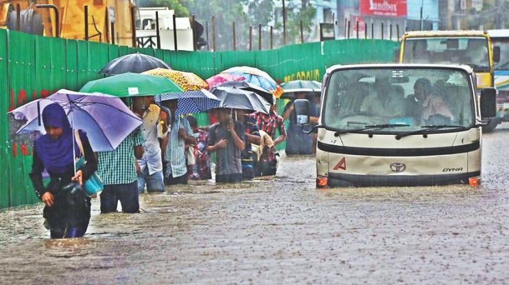 Rain influenced by N'wester submerges Chittagong City