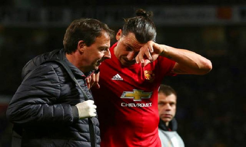 Ibrahimovic joins lengthening injury list at Man United