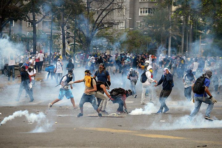 Death toll spikes to 20 in Venezuela protests